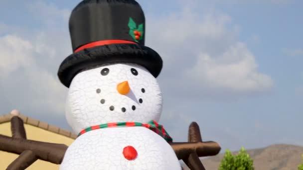 Zár megjelöl kilátás a fekete kalap szabadban felfújható hóember