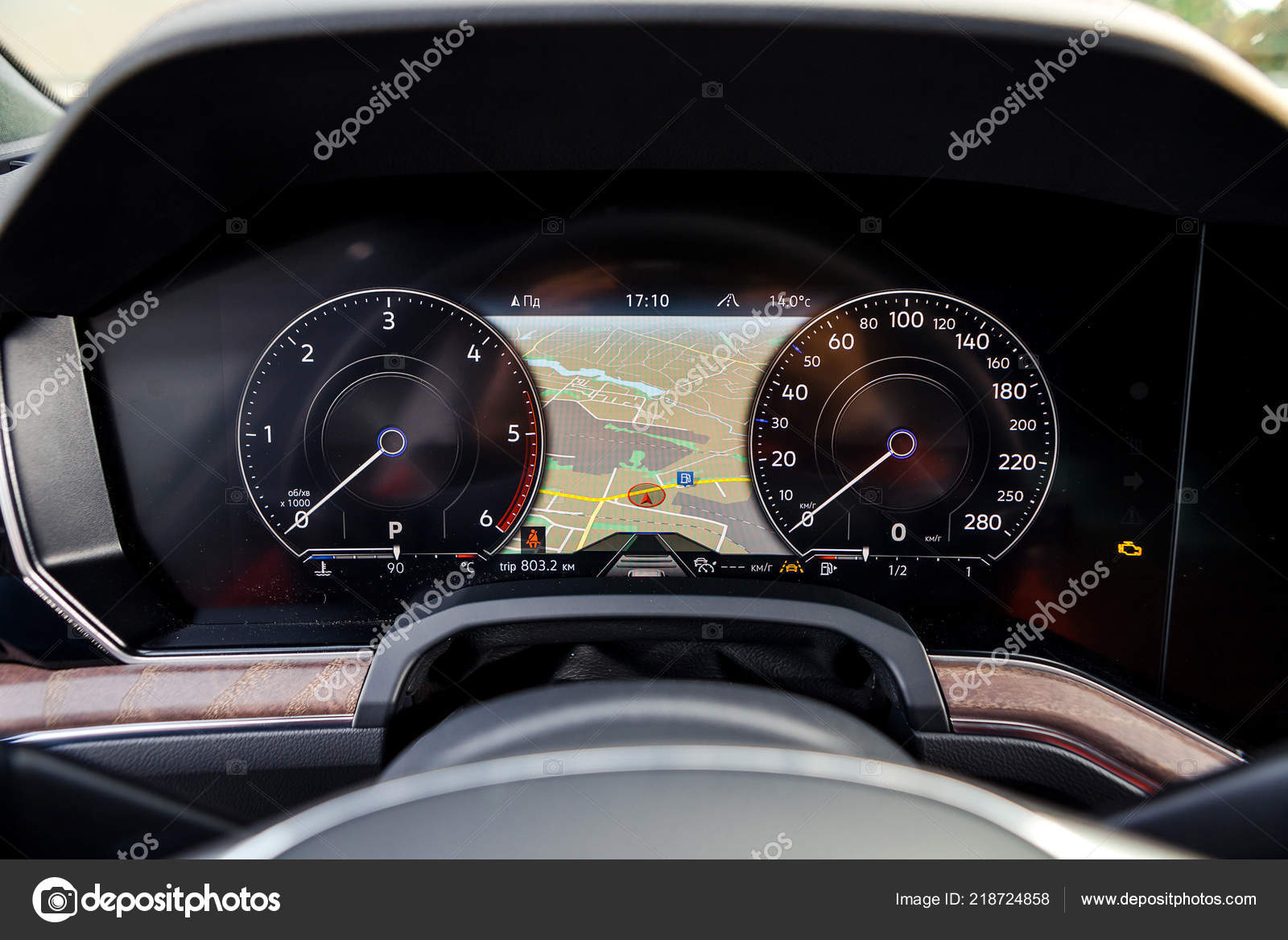 Outubro 2018 Vinnitsa Ucrania Nova Apresentacao Volkswagen Touareg Showroom Interior Fotografia De Stock Editorial C Bondvit 218724858