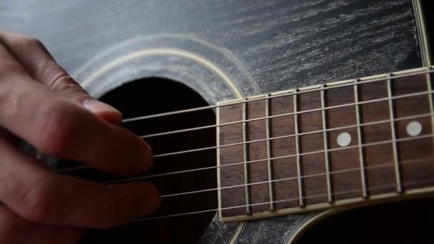 Hraje kytara closeup