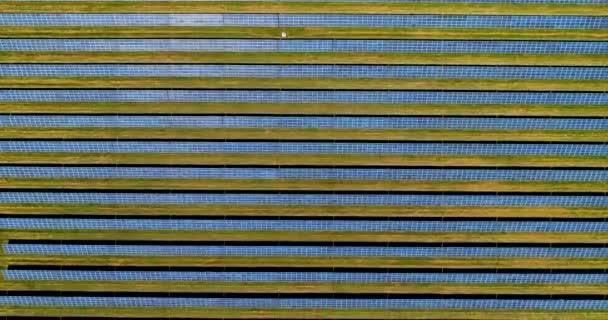 Areal letu nad solární panely