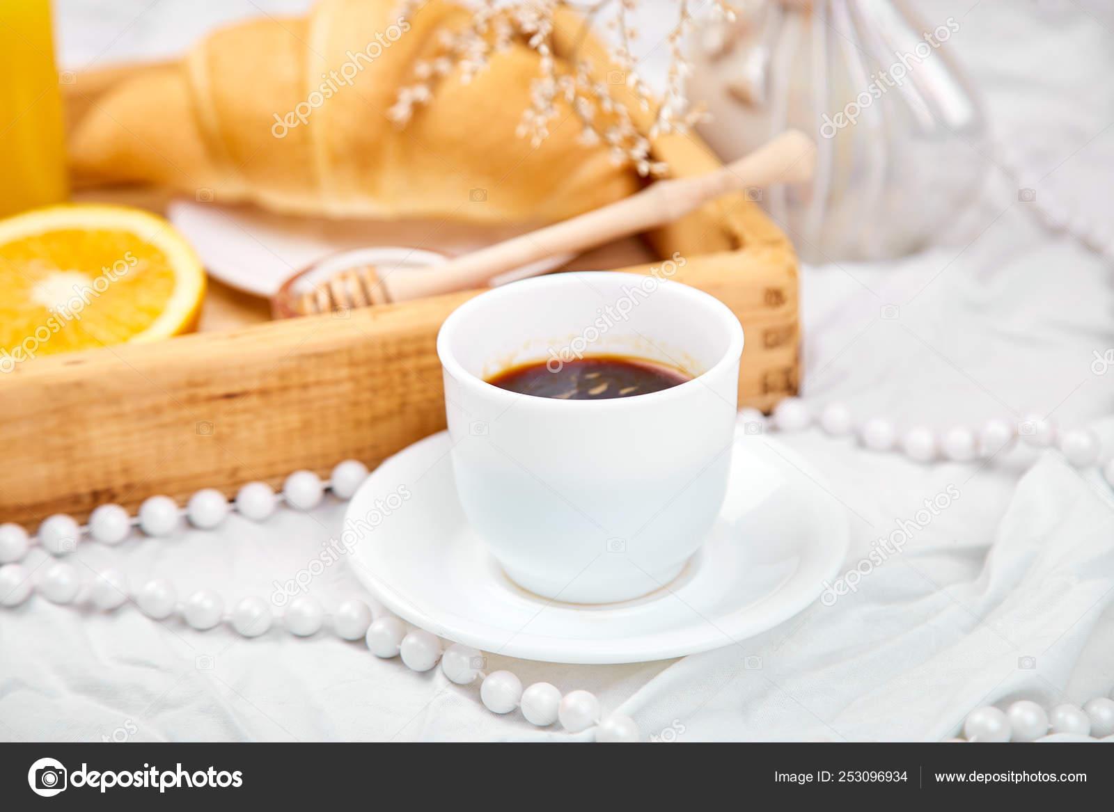 Guten Morgen Kontinentales Frühstück Auf Weißen Bettwäsche
