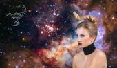 Fotografia Segno zodiacale Scorpione. Concetto di astrologia e Oroscopo, bella donna Scorpione sullo sfondo galassia