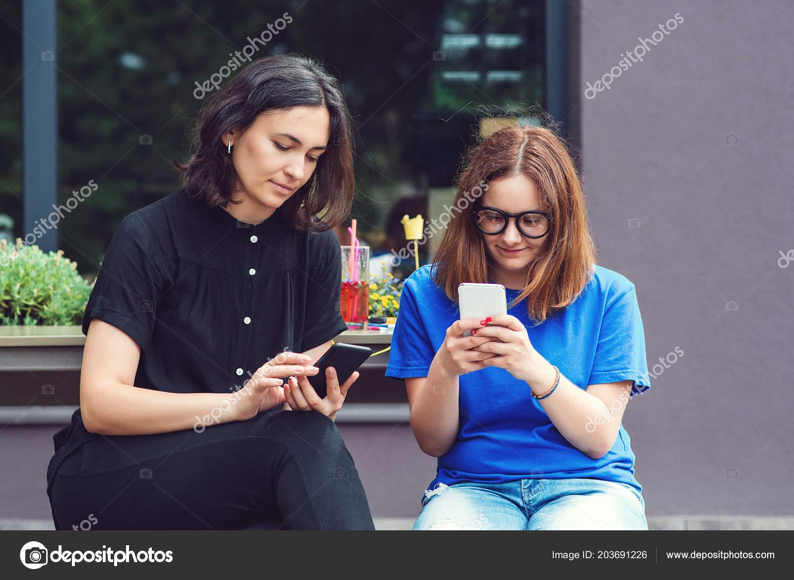 Pretty Girls Using Smartphone Post Instagram Facebook Blogger