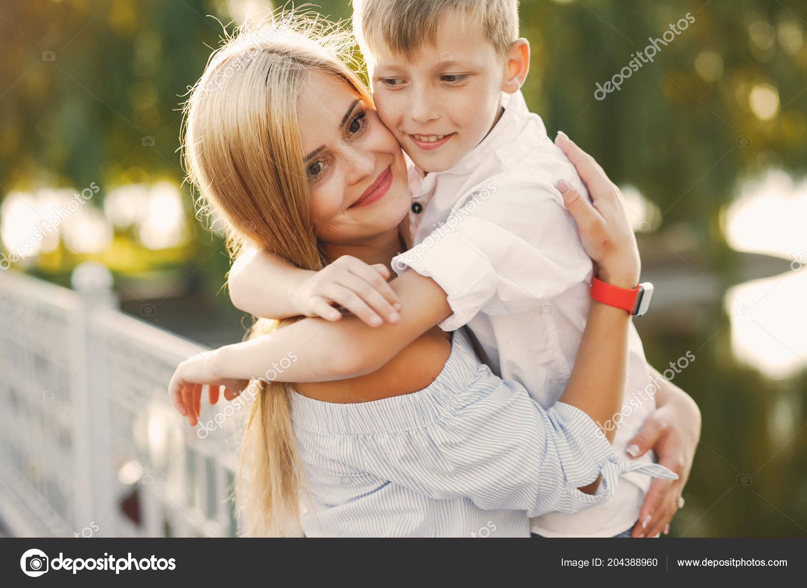 Секс мымы с сыном фото, Регулярный инцент матери и сына (28 фото) 22 фотография