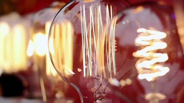 Nádherné žárovky jiskřičky.