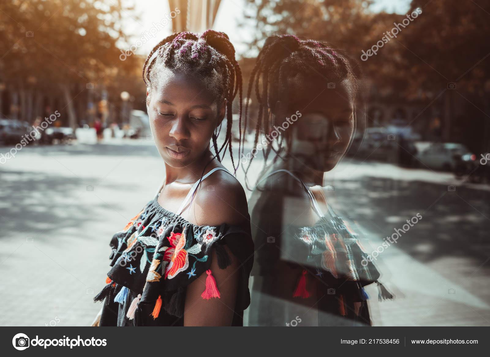Mladé černé feny