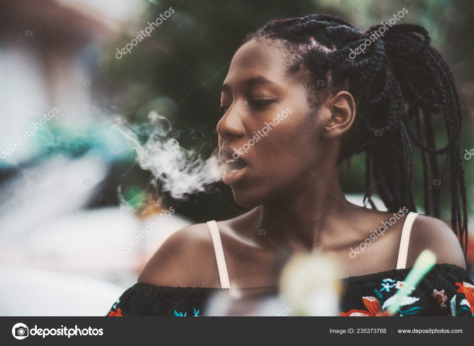 ebenové interracial kouření