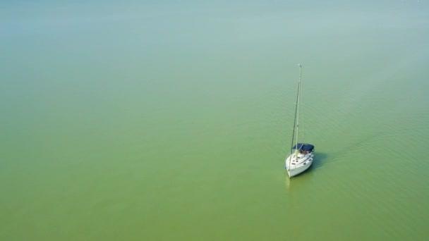 Jacht a Balatonon Magyarországon