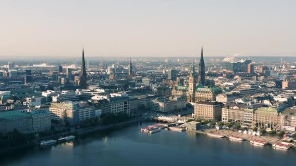 Stadtbild von Hamburg am Morgen