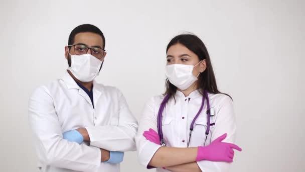Der Arzt ist Ägypter und Ukrainer. Behandlungskonzept und Krankenhäuser