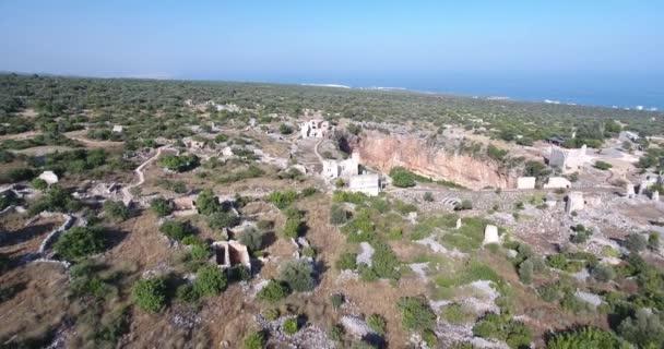 Luftaufnahme der antiken Säulen von kanlidivane in Mersin, Türkei