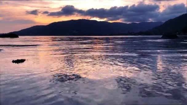 Výhled na západ slunce moře z Tropical Island
