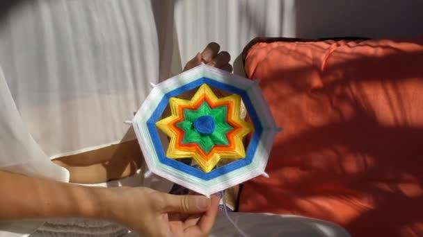 Barevné barevné mandaly zblízka
