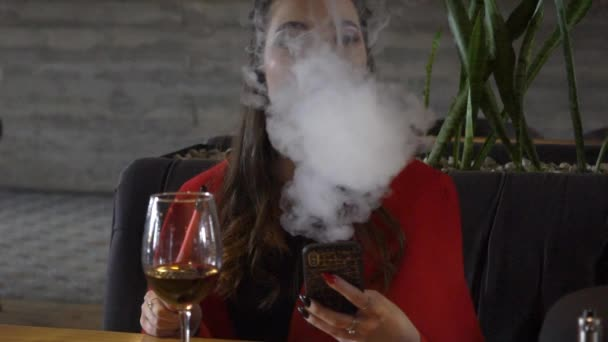 velký péro kouření filmů