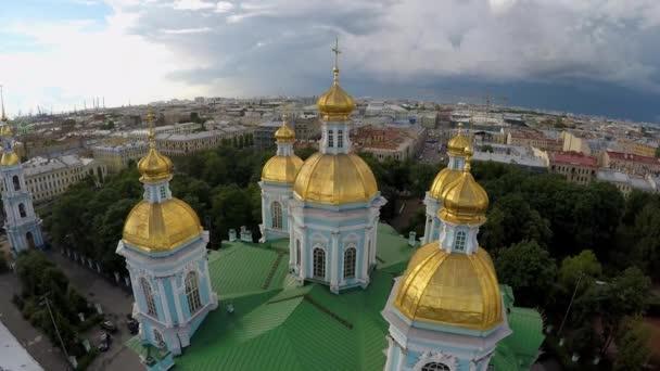 Russland. Sankt-Petersburg. St. Nikolaus-Marine-Kathedrale. Aufnahmen aus der Luft