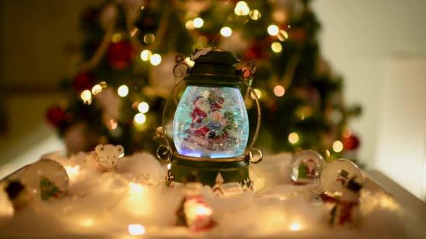 Vánoční dekorace, sněhové kopuli, zeměkoule s dekorace na stůl