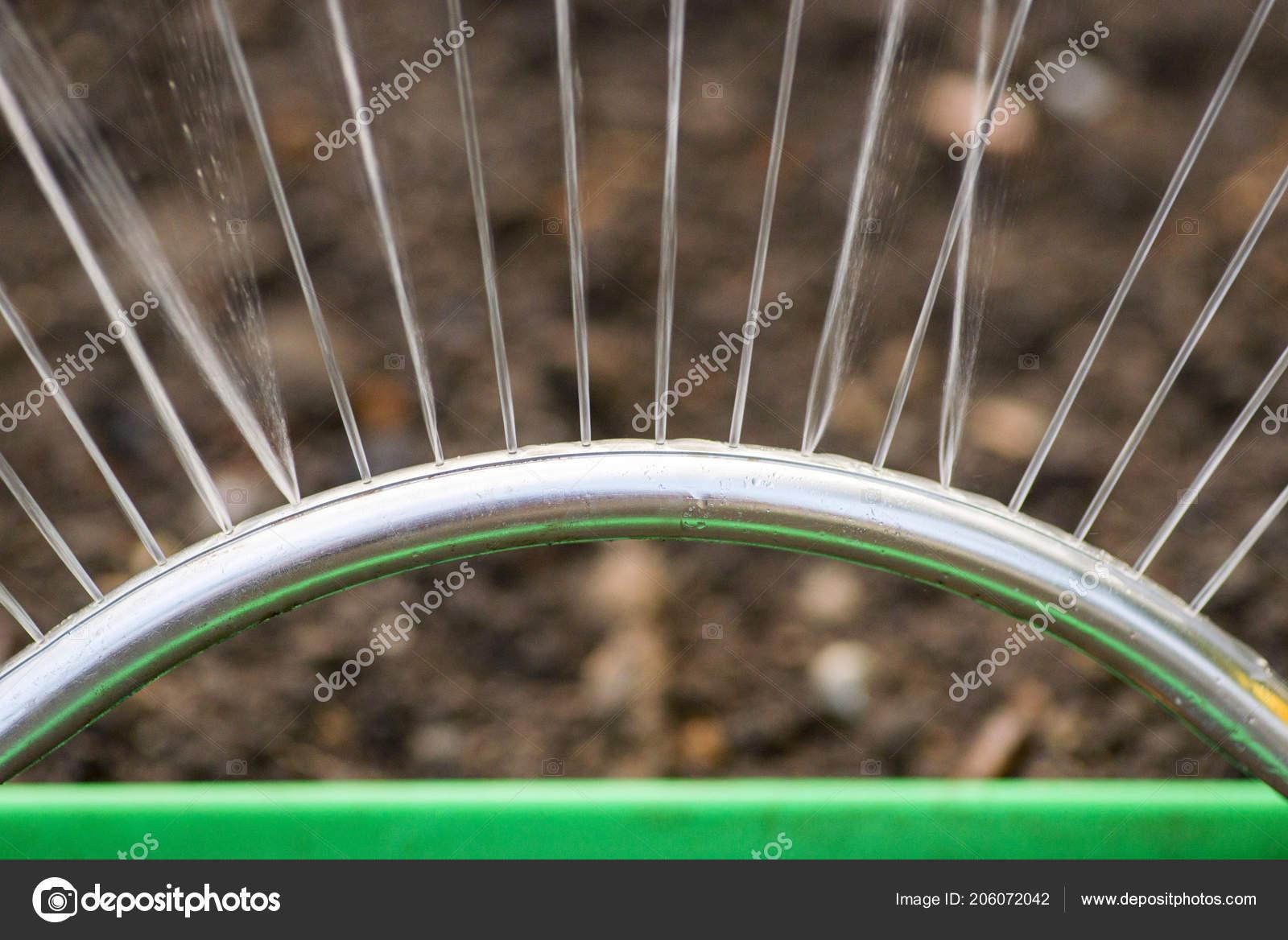 Garden Automatic Irrigation System Spray Watering Lawn Sprinkler ...