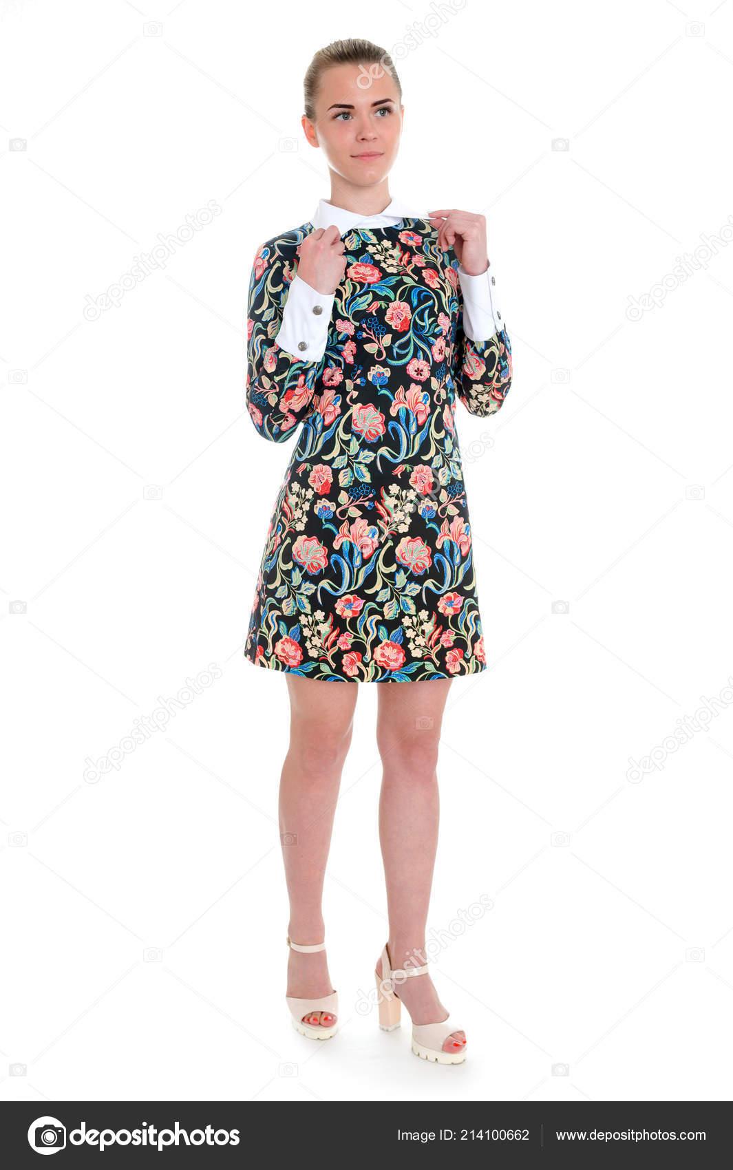 Rubio Moda Modelo Ejecutiva Empresaria Verano Impreso Floral