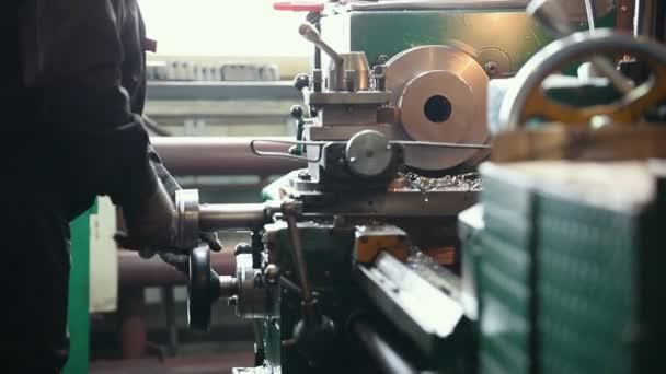 Průmyslová koncepce. Stavební zařízení. Stroj pro řezání železa podrobnosti