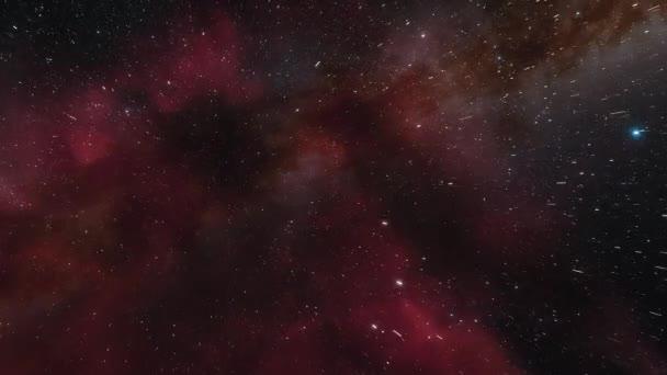 Vesmírná loď létá blízko červené mlhoviny ve vesmíru. Miliardy hvězd v galaxii Mléčné dráhy. Krásné shluky hvězd