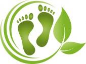 zwei Füße und Blätter, Fußpflege, Massage