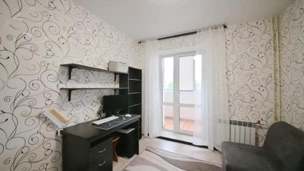 Oroszország, Moszkva - május 27, 2020: belső szoba apartman modern világos hangulatú. általános takarítás, lakásdekoráció, családi ház elkészítése