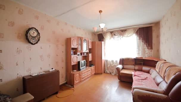 Rusko, Moscow- 27. května 2020: interiér pokoje byt moderní světlé útulné atmosféře. generální úklid, bytová výzdoba, příprava domu na prodej