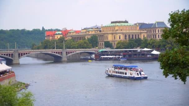 Praha Karlův most krásný výhled