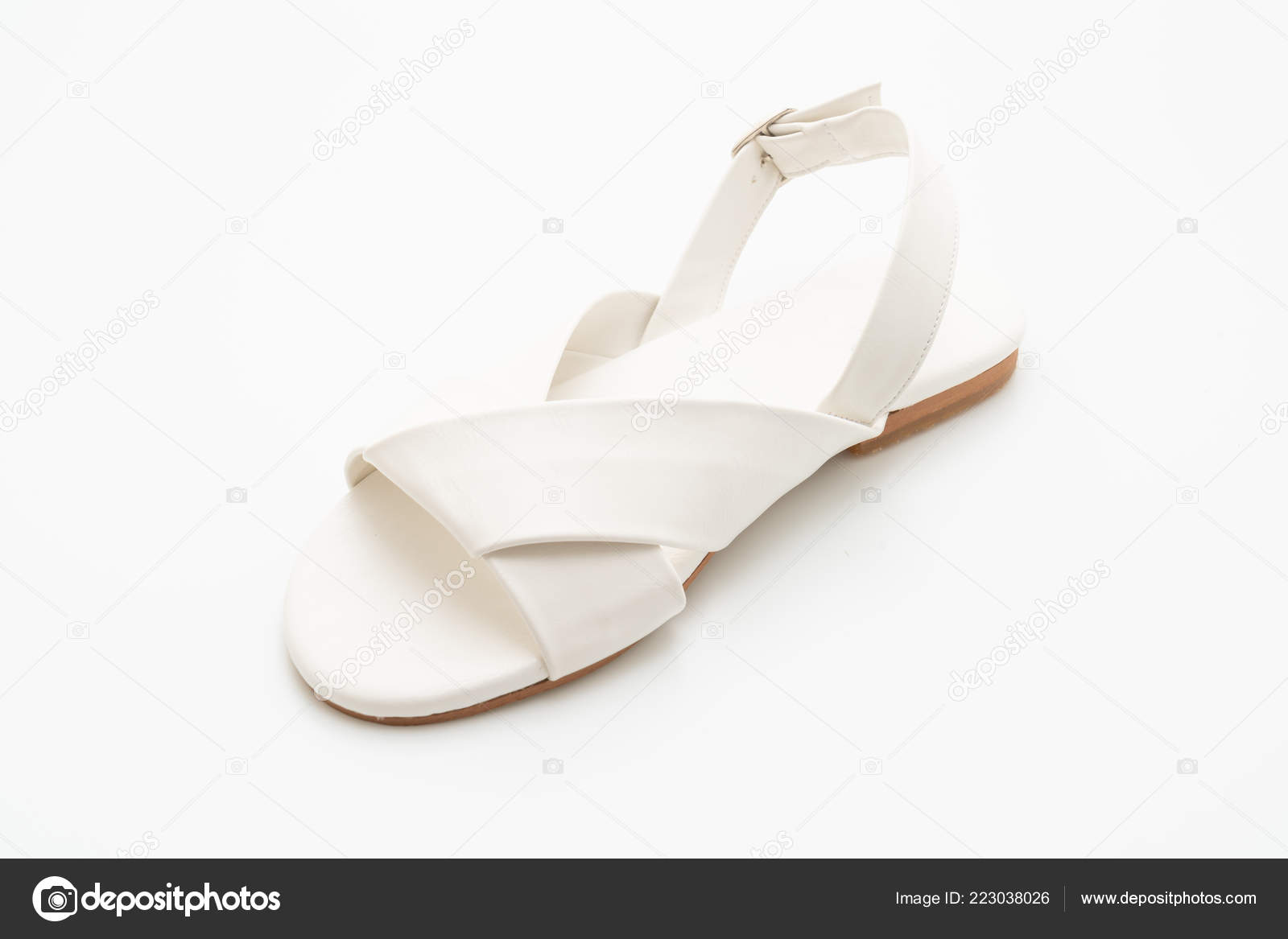 25c3d9a0b124 Fashion Female Woman Leather Sandals Slingback Isolated White Background —  Stock Photo
