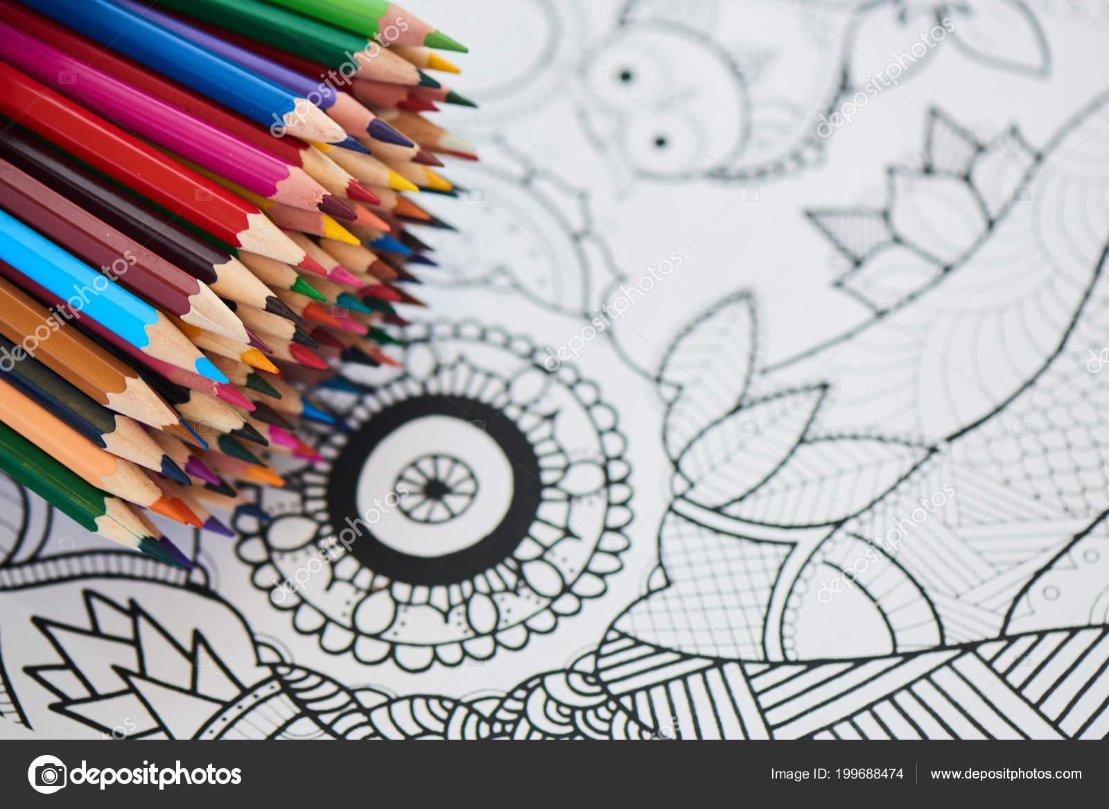 Tas Crayons Couleur Arc Ciel Lumineux Sur Coloriage Gros Plan