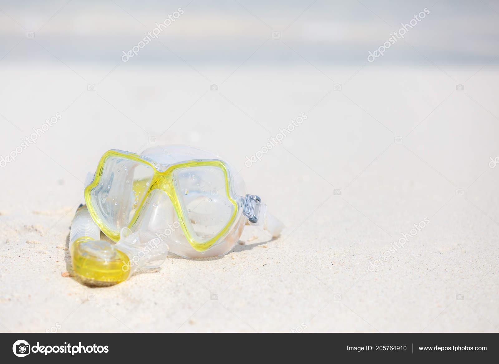 a0a4a922d03d3 Snorkel Equipment Snorkeling Mask Tube Lying Stone Beach Sea Shore — Stock  Photo