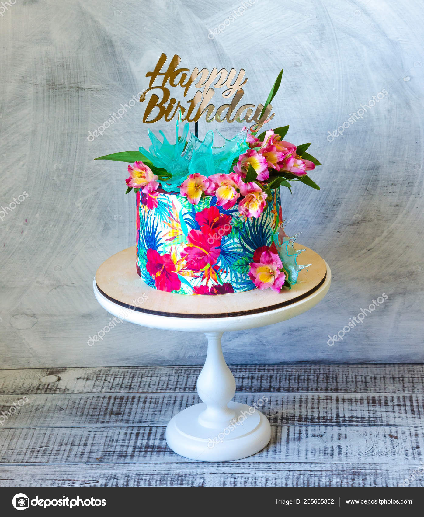 Gâteau Anniversaire Tropical Sur Cakestand Avec Haut Forme \u2014 Photo