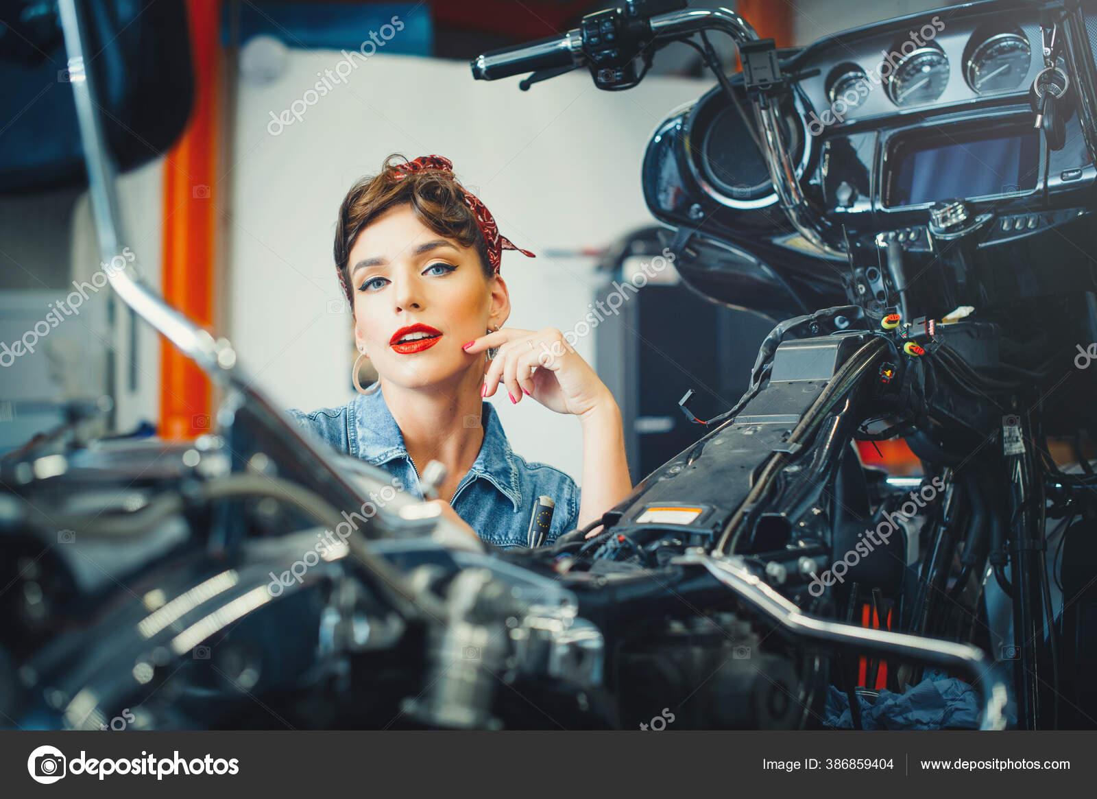вас фотосессия на мотоцикле в студии екатеринбург тушения