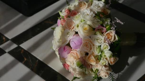 Wedding bouquet. Brides flowers