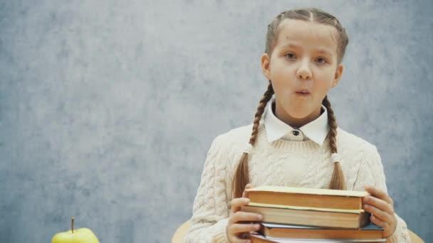 Boldog iskoláslánya is kóstolás finom Alma.