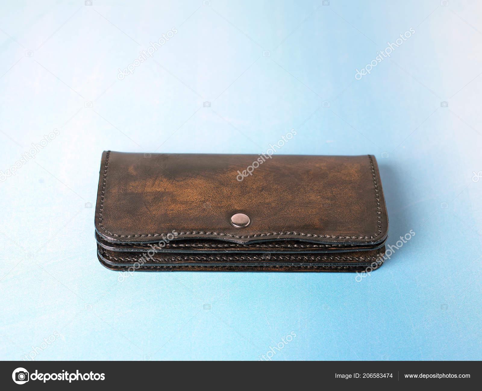 Portemonnee Koeienprint.Handgemaakte Portemonnee Door Koe Leer Stockfoto C Mtellioglu
