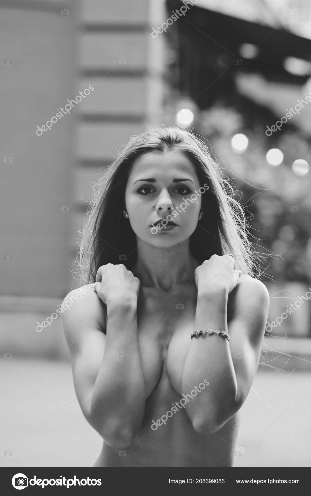 immagini di una ragazze nude
