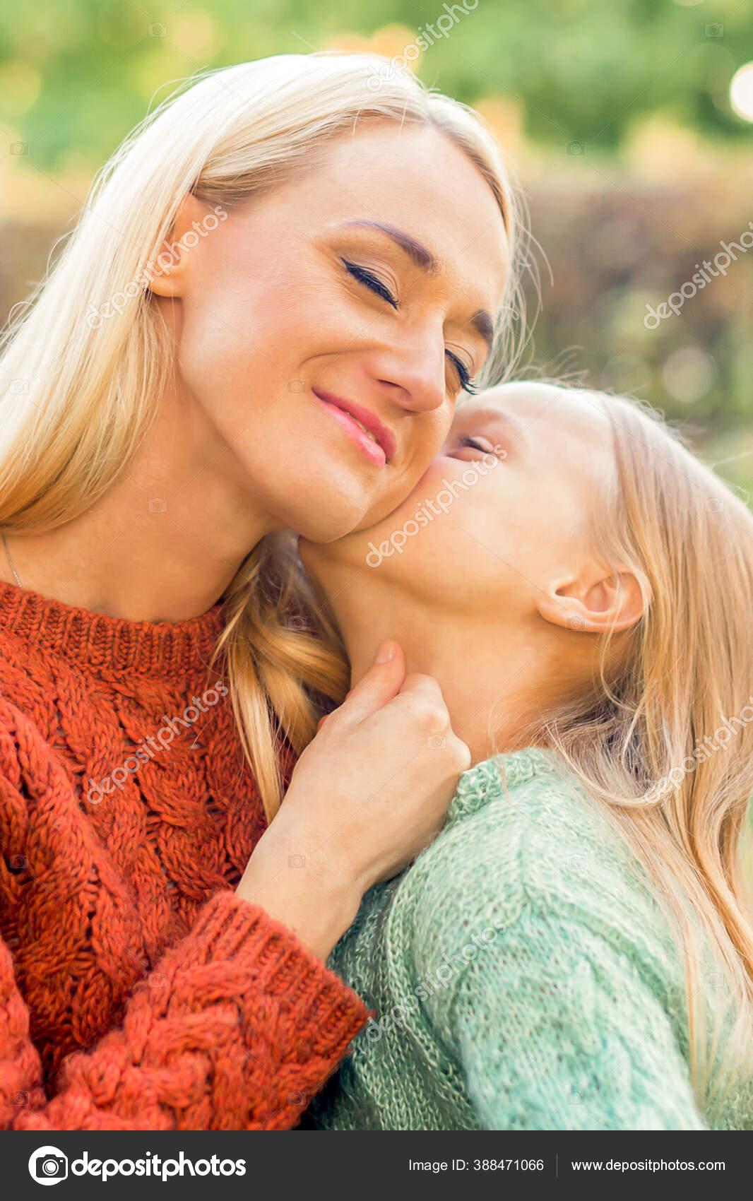 Beim küssen frauen Männer finden