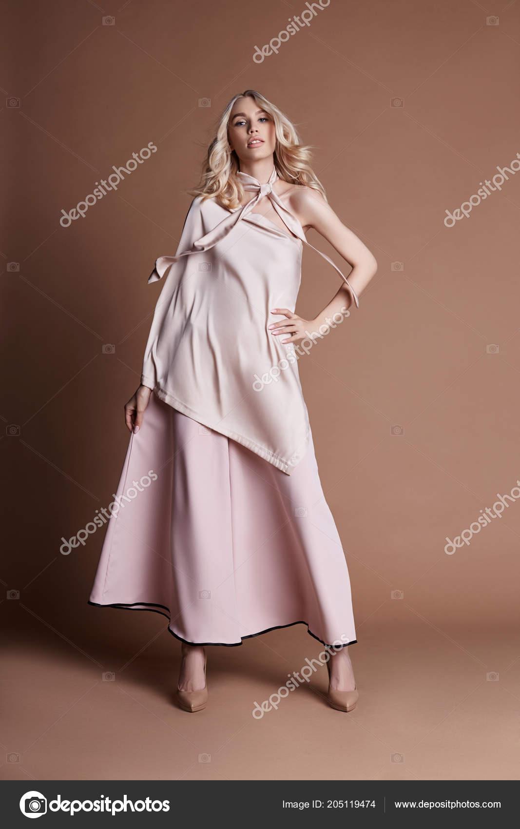 Коллекция сексуальной женской одежды