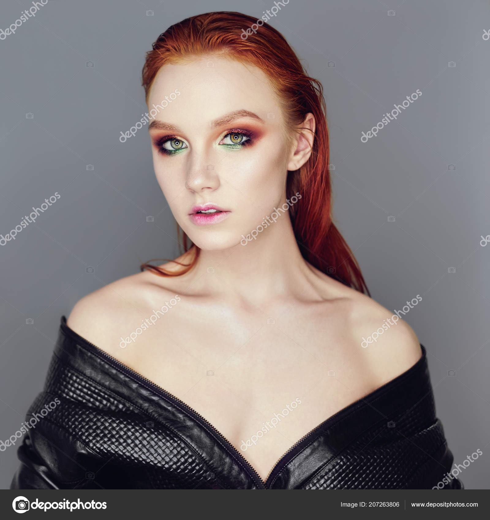 Анал голая девушка с идеальным лицом