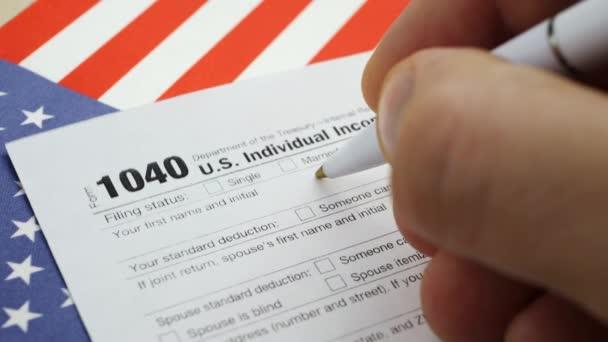 Ruční vyplňování americký 1040 DZP FO vrácené formuláře