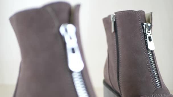 Módní obuv s kovový zip
