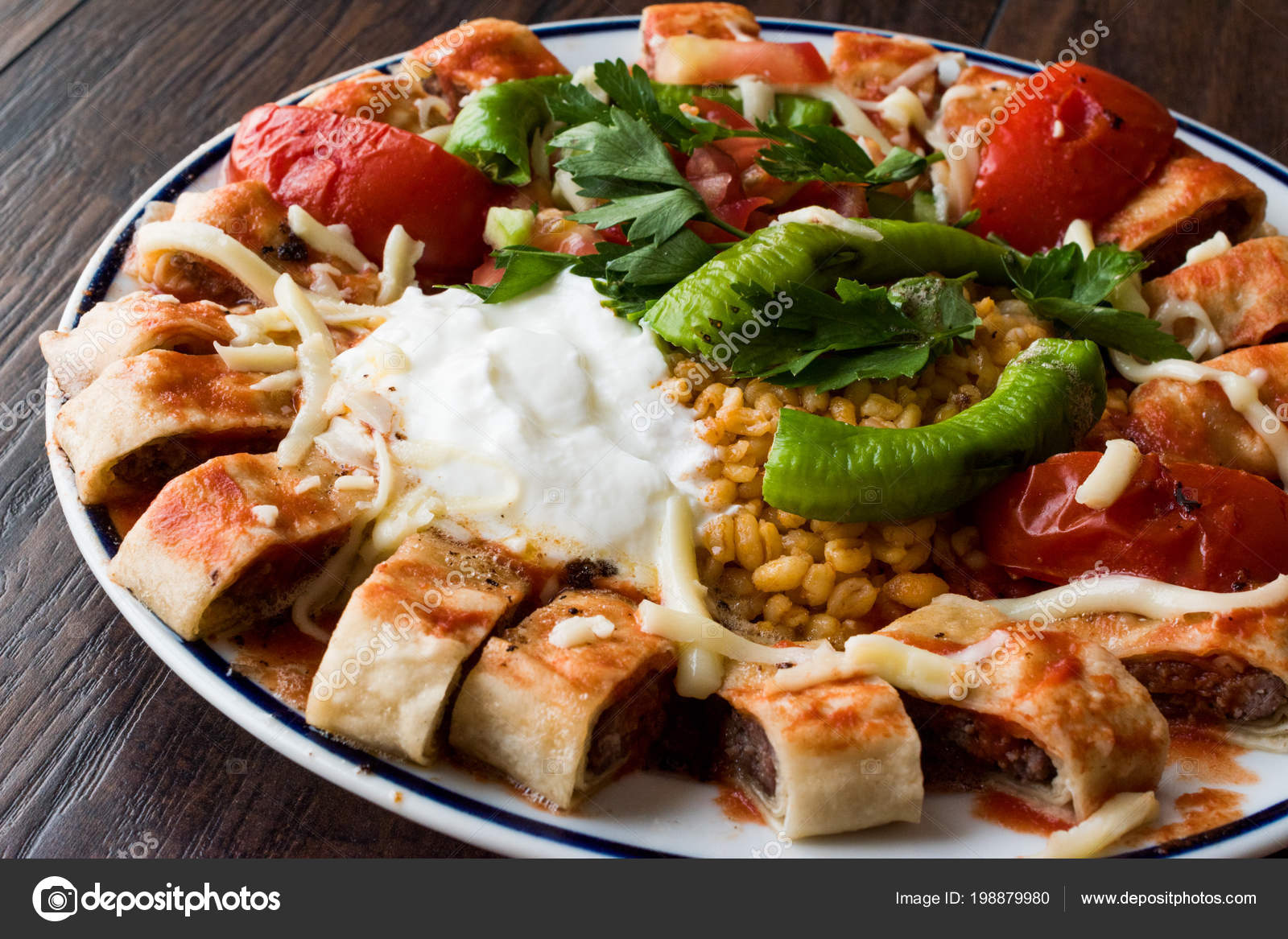 Cuisine Turque Beyti Kebab Shawarma Kebab Avec Yaourt Cuisine