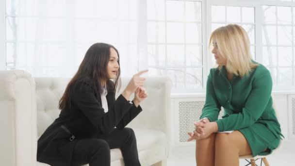 obchodžena na terapeutické schůzce