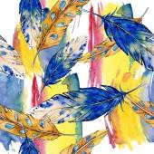 Fotografie Aquarell Vogelfeder vom Flügel isoliert. nahtloses Hintergrundmuster.