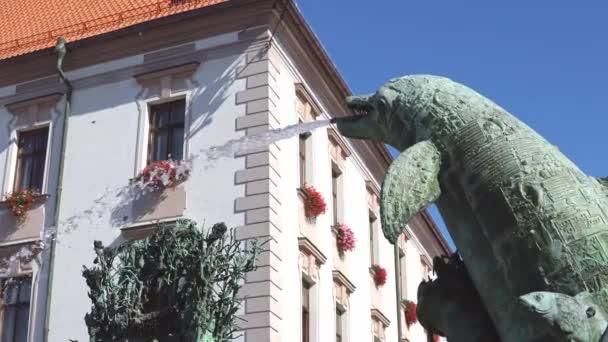 září 2018 Česká republika. Ariónova kašna na horním náměstí v Olomouci