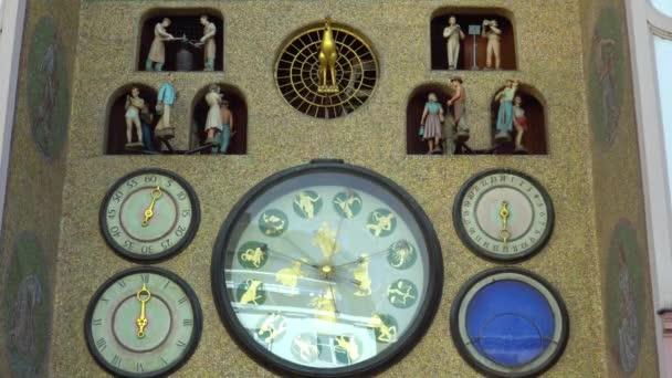 Olomouc, Česká republika září 2018: staré orloj v centru Olomouce