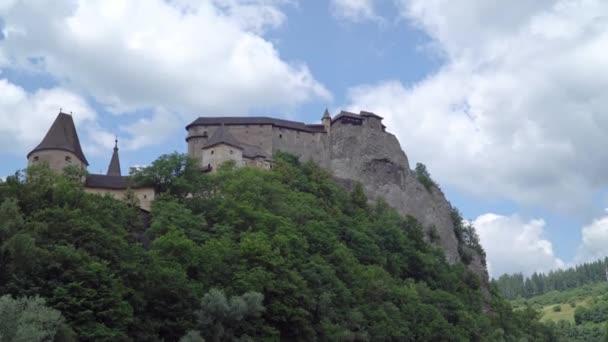 slavný Orava, hrad ve skále, Slovensko. Stvorovi v