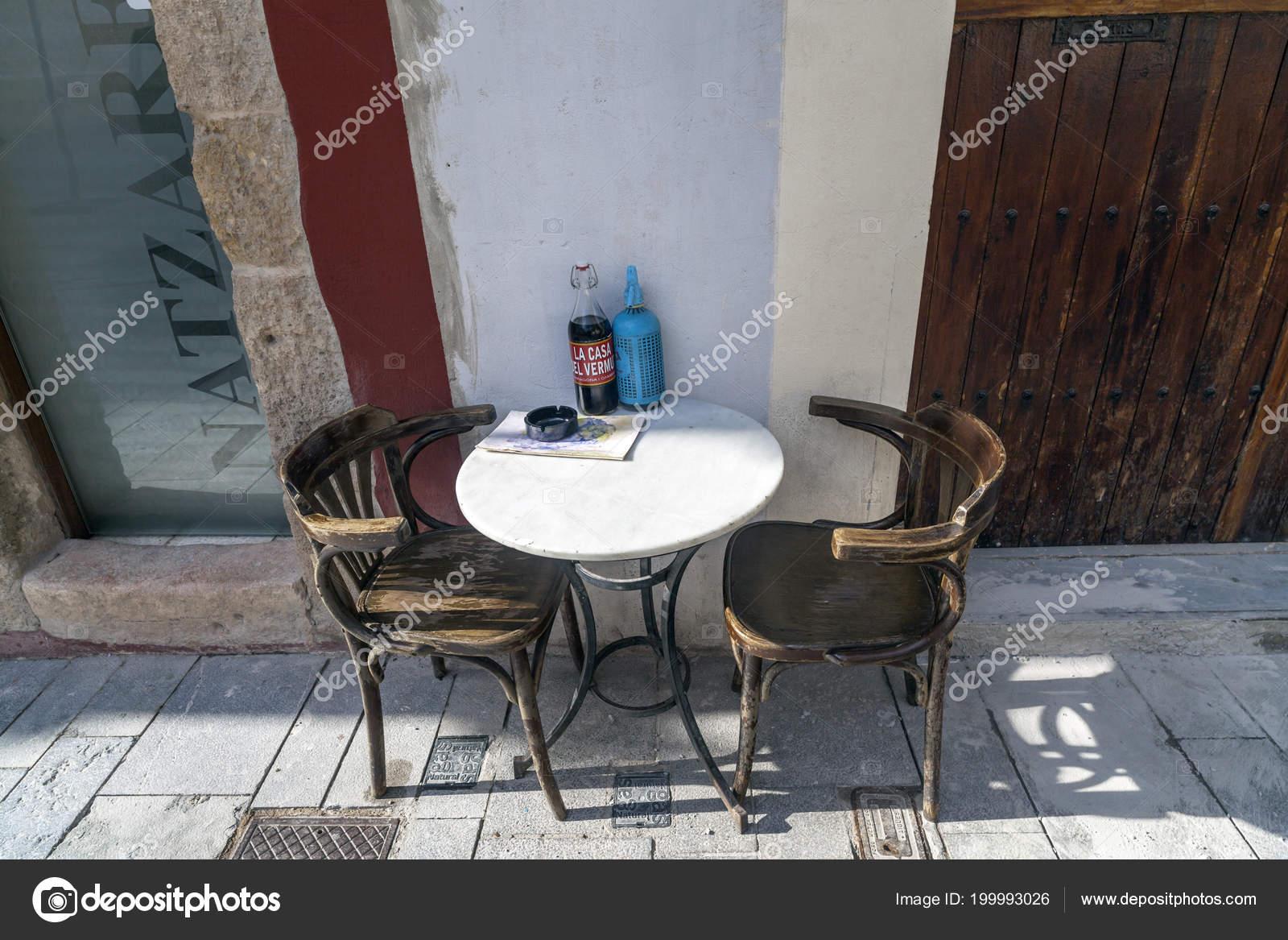 Mesa Terraza Bar Hora Del Vermut Aperitivo Tarragona