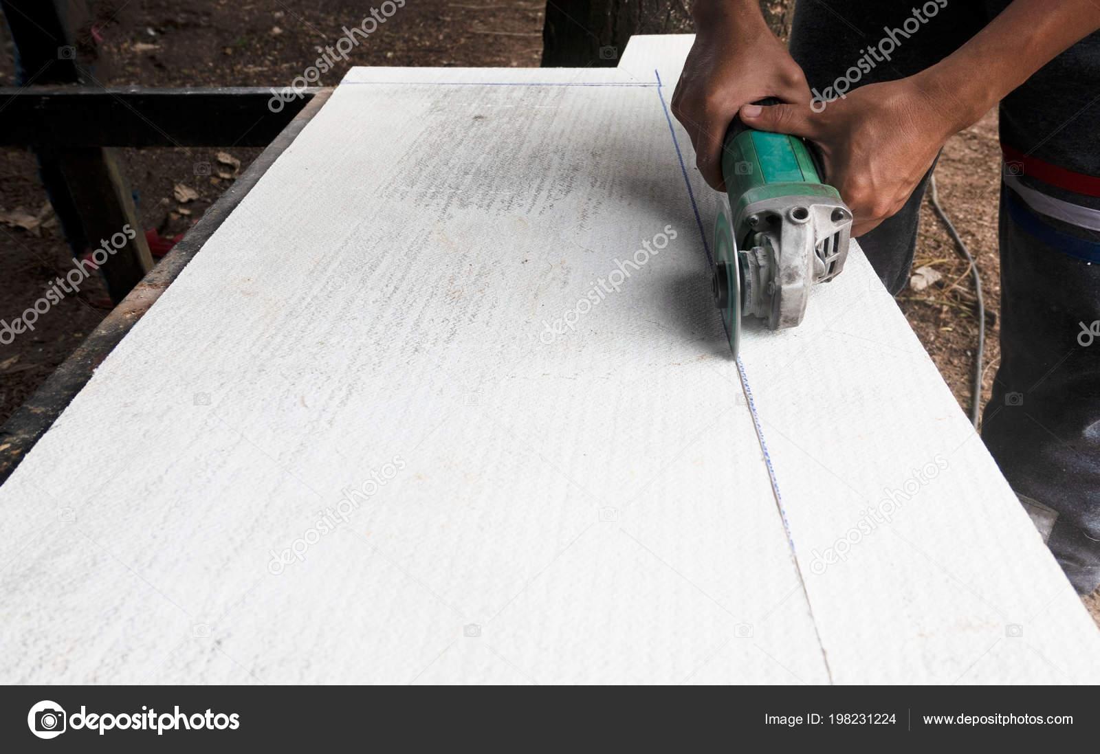 Betonplatten Schneiden